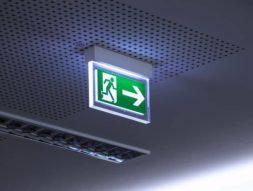 eclairage_securite_led_signalisation_signaletique_bonhomme_vert_urgence_sortie_secours_eco_energie